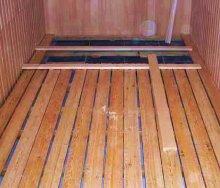 Как сделать правильно протекающие полы в бане 104
