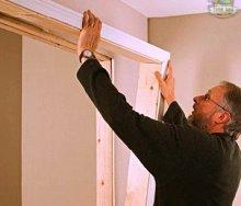 Как правильно собрать и установить дверную коробку: основные схемы и порядок выполнения работ