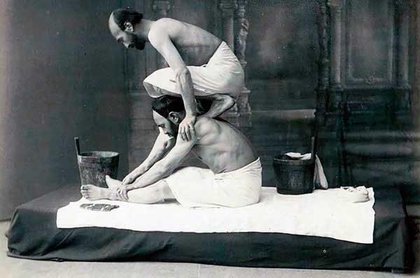 Открытка с изображением работы банщика