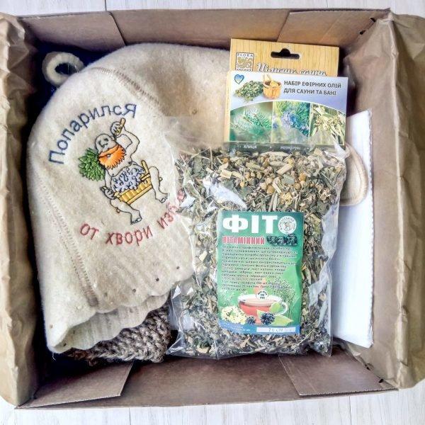 Шапка и набор трав для бани
