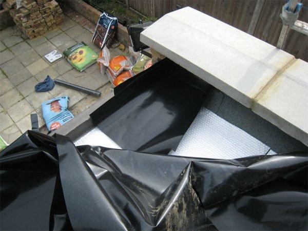 Закрепление гидроизолирующей плёнки на крыше