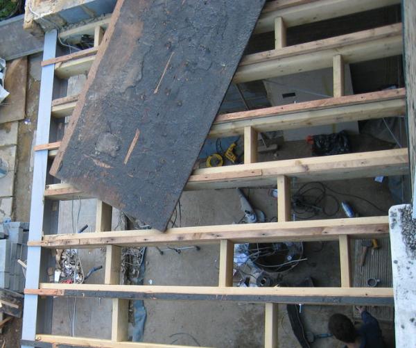 Размещение балок для крыши