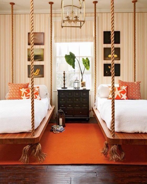 Комната с подвесными кроватями