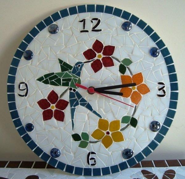 Часы из старой плитки