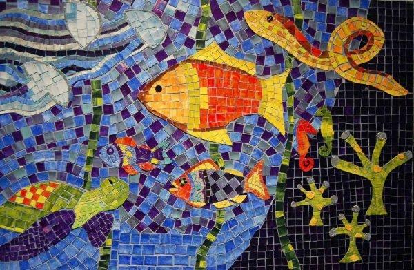 Мозаика из из старой плитки