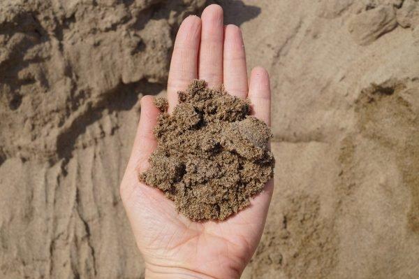 Песок в руке