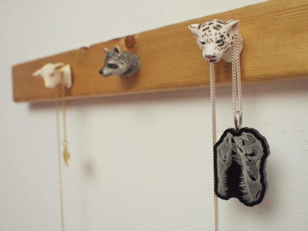 Крючки в виде животных