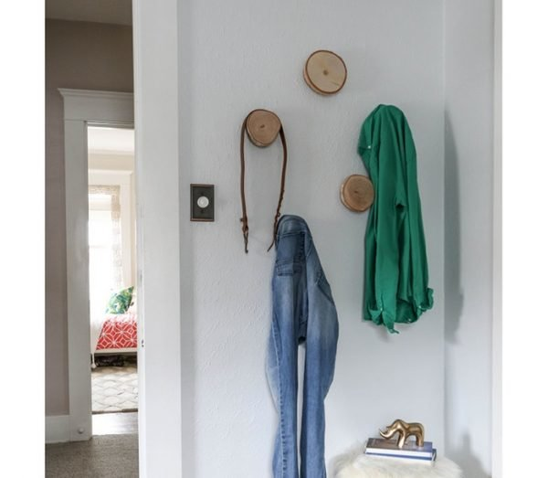 Круглые деревянные крючки