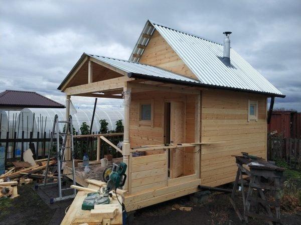 Строительство крыльца дощатой бани
