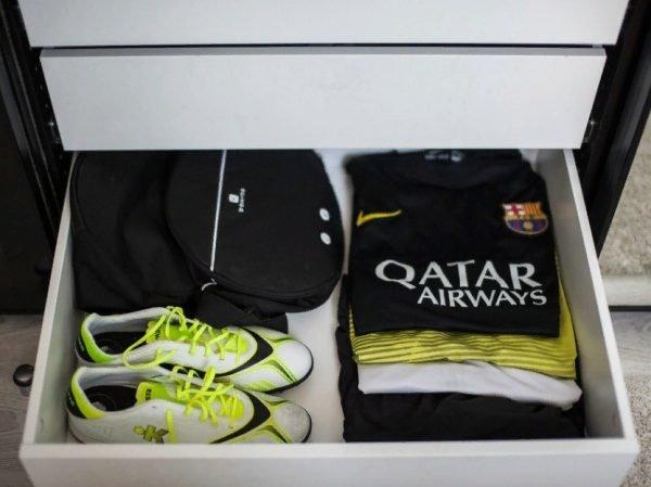 Хранение спортивных комплектов в ящике