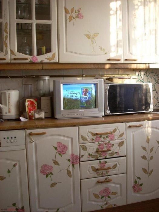 Декупаж кухонного гарнитура