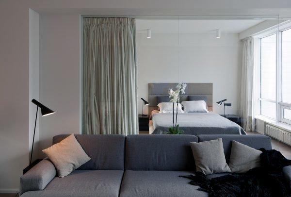 Занавеска между гостиной и спальней