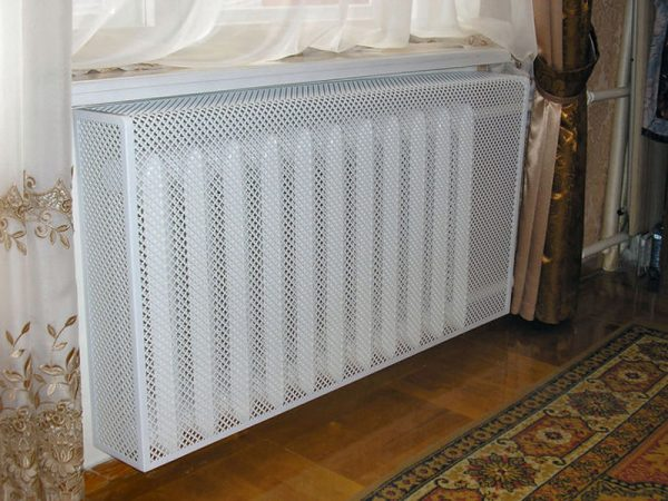 Радиатор под подоконником