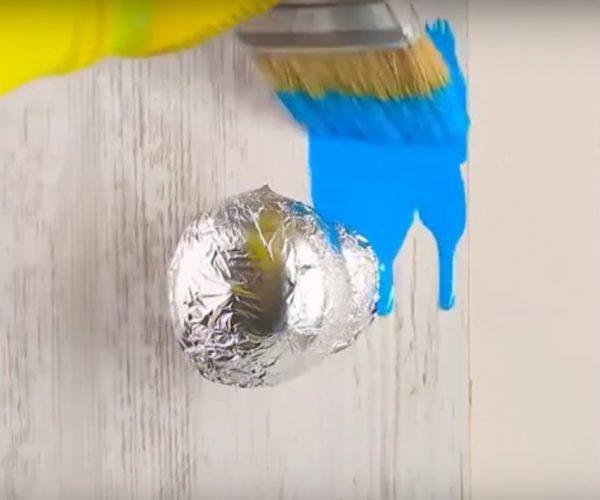 Защита мелких деталей при покраске стен