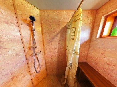 Душ в бане своими руками: разбираем различные варианты устройства помывочной