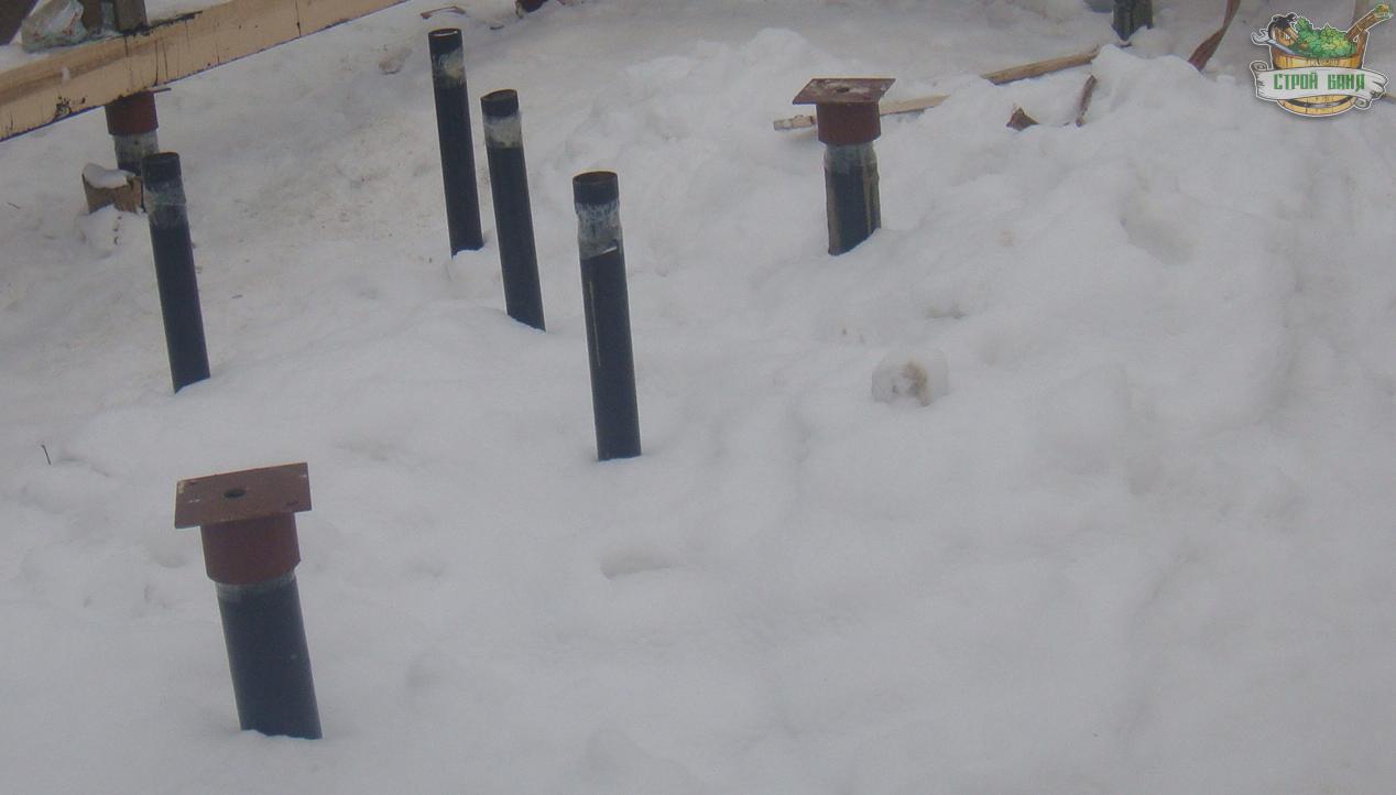 Группа свай диаметром 73мм, предназначенная под установку каменной печи