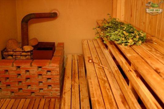 Как сделать лежак для русской бани своими руками: личный опыт строительства из первых рук