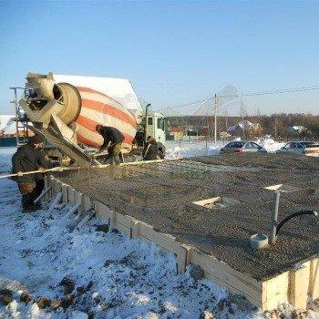 Заливка бетона при минусовой температуре без прогрева: методы и рекомендации