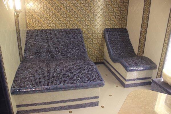 лежаки в хамаме, вырезанные из пенопласта своими руками