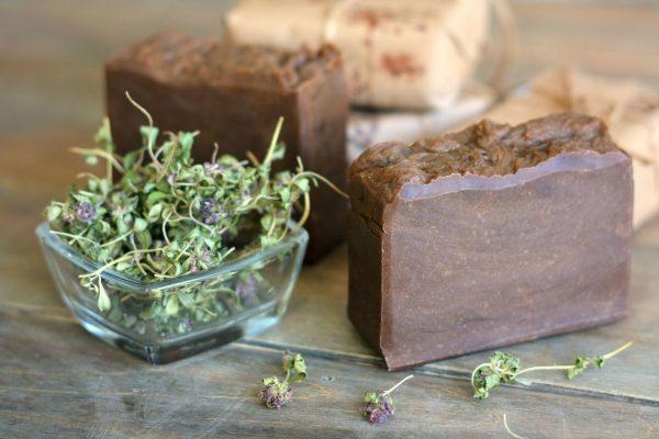 Травы и дектярное мыло