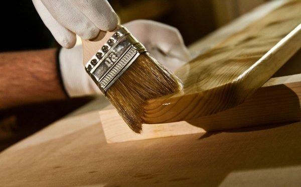 Покрытие древесины антисептиком