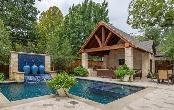 Баня с террасой и барбекю и бассейном