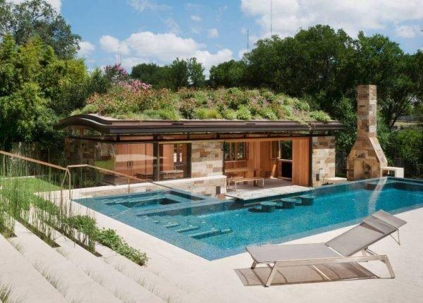 Баня с террасой и барбекю с бассейном