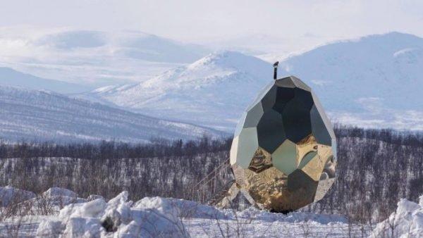 Сауна в виде золотого яйца в Швеции