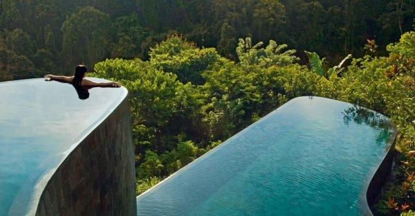 Красивый бассейн в Ubud Hanging Gardens Hotel