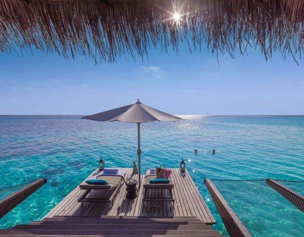 Панорамный бассейн на Мальдивах