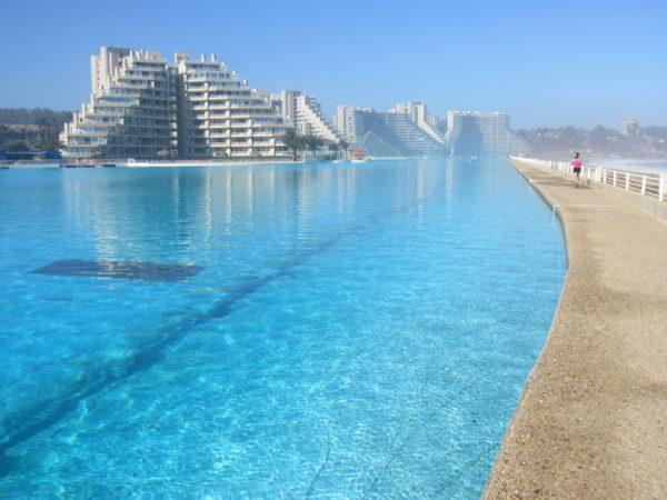 Самый длинный открытый бассейн в мире