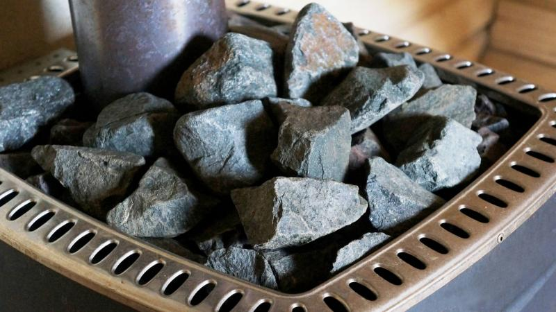 Как правильно уложить камни в банную печь — краткое руководство