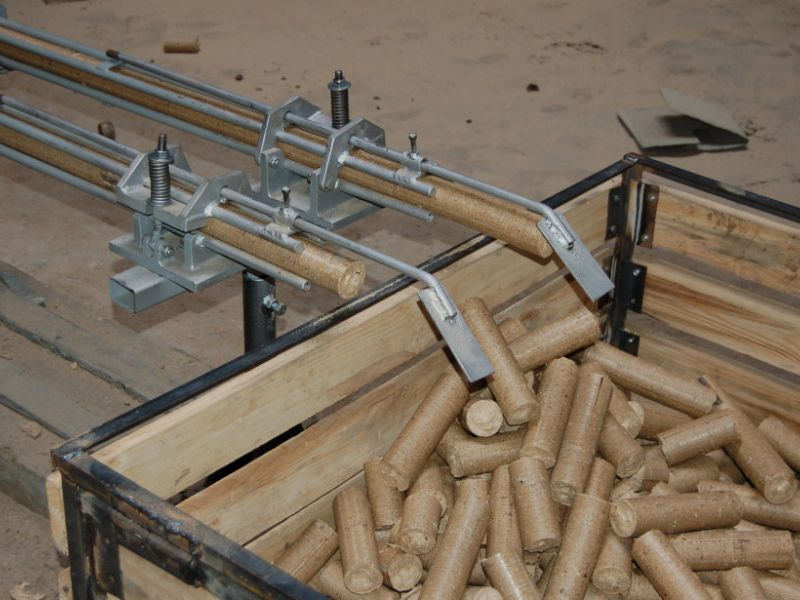 Что лучше выбрать топливные брикеты или дрова?
