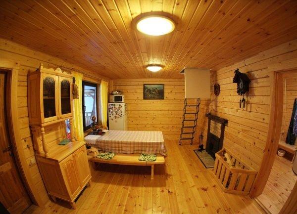 Спальня в деревянной бане