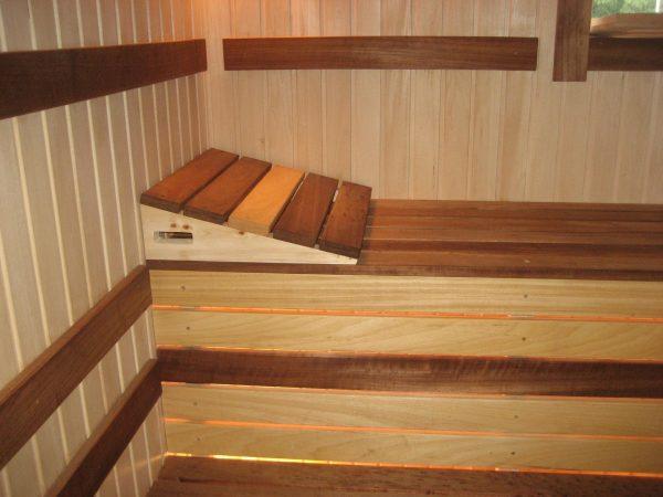 Полог из разной древесины