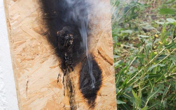 Повреждённая огнём СИП-панель