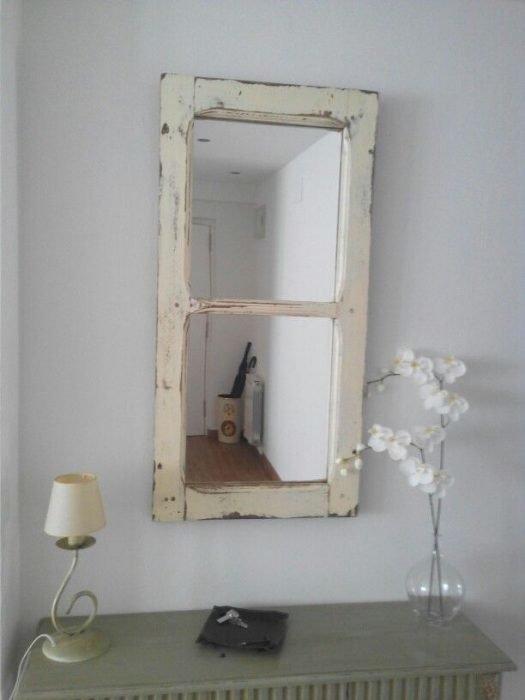 Декоративное окно-зеркало