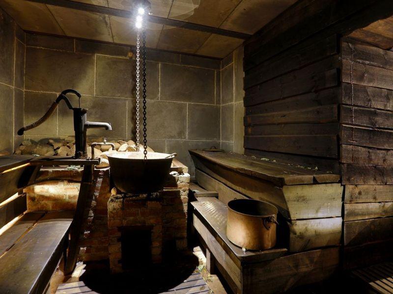 Классические и оригинальные проекты бани по-чёрному