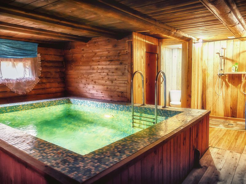 Проект бани с бассейном и беседкой: современные вариации парных