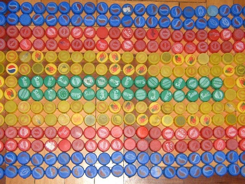 Дорожки из пробок от пластиковых бутылок: креативность приветствуется