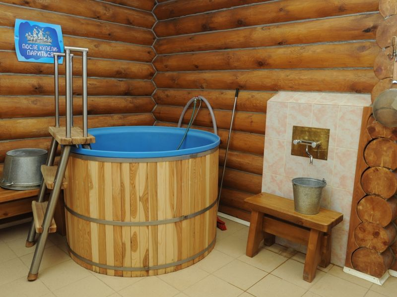 Проекты бани из бревна с купелью: идеи на фото