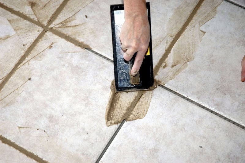 Как подобрать затирку для напольной плитки