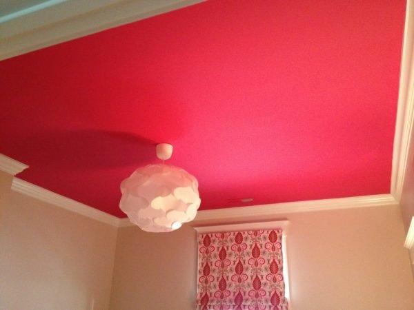 Окрашеный потолок