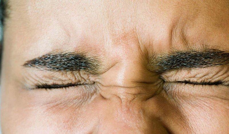 Резь в глазах после бани — причины, что делать
