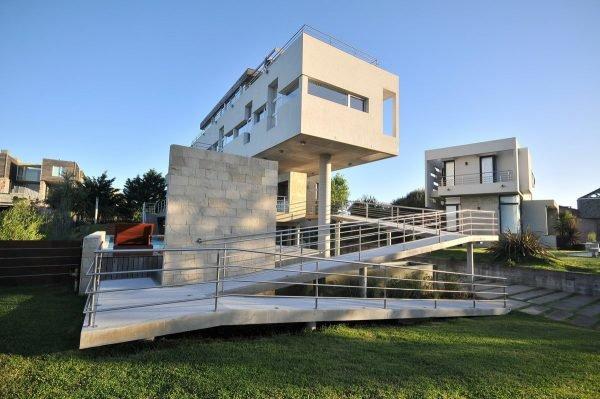 Здание в стиле кубизм