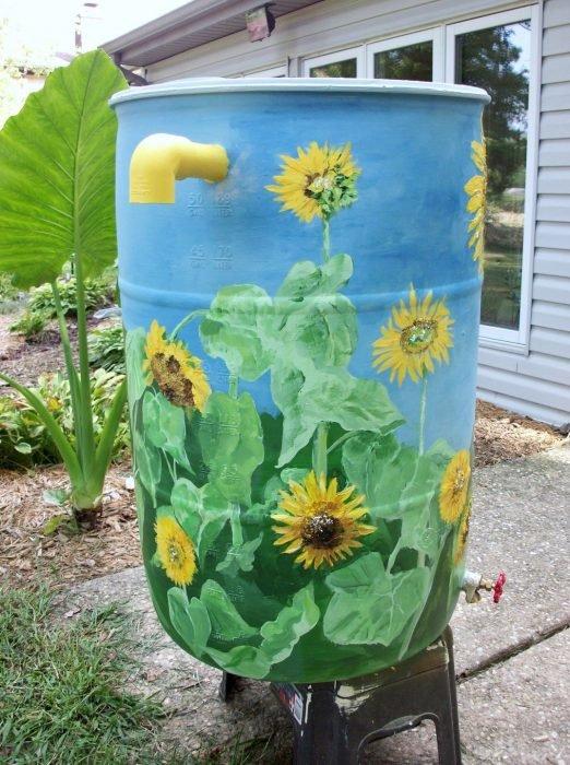 как раскрасить бочки в саду
