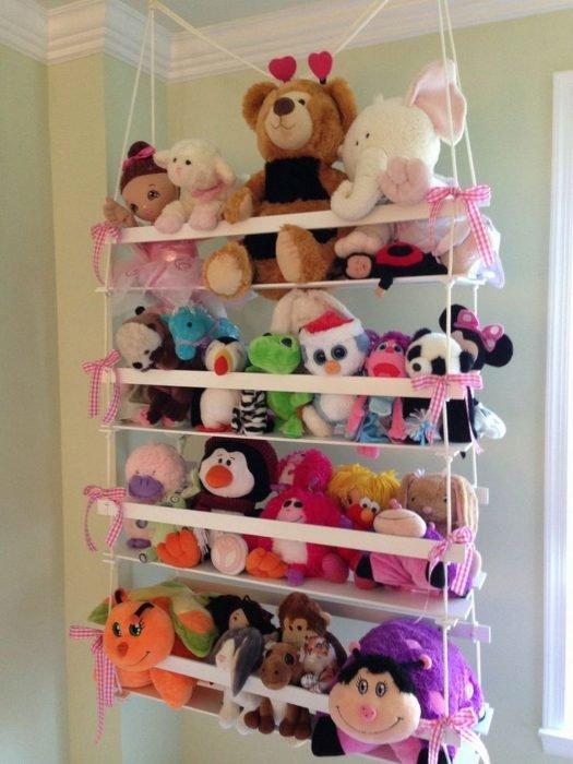 Подвесная конструкция для хранения мягких игрушек