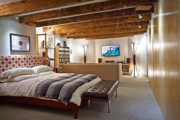 Гостевая спальня в подвале
