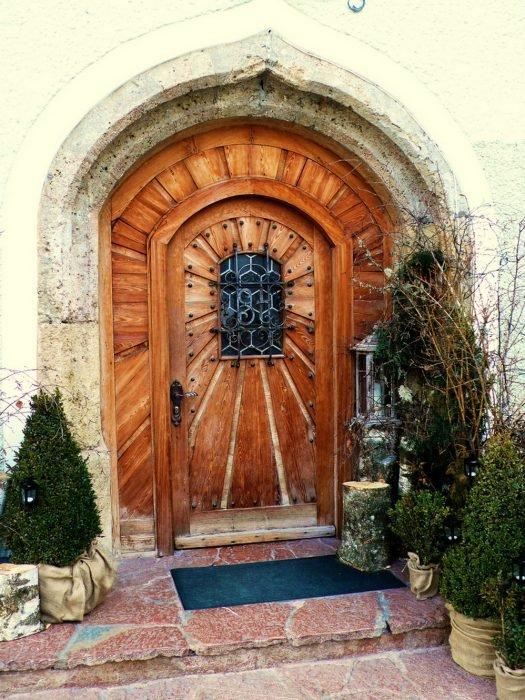Входная дизайнерская дверь