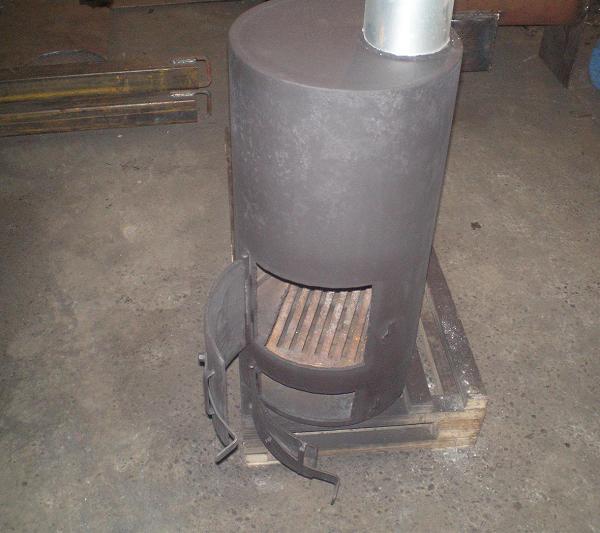 Круглая печь для бани из металлических труб